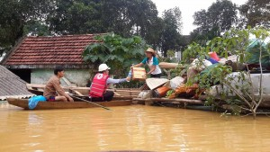 Central Vietnam suffers prolonged rains, which causes flooding